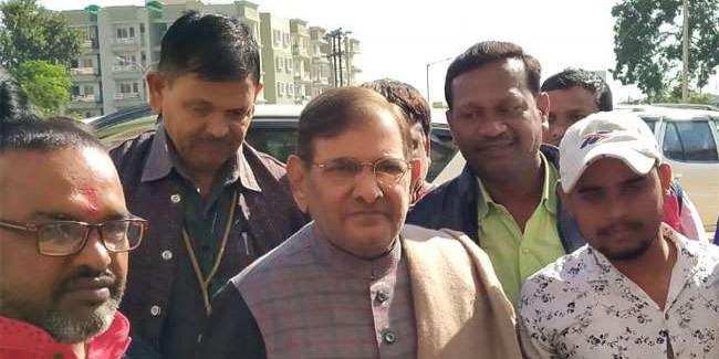 लालू प्रसाद से मिले शरद यादव, झारखंड चुनाव में लागू करेंगे बिहारी फार्मूला