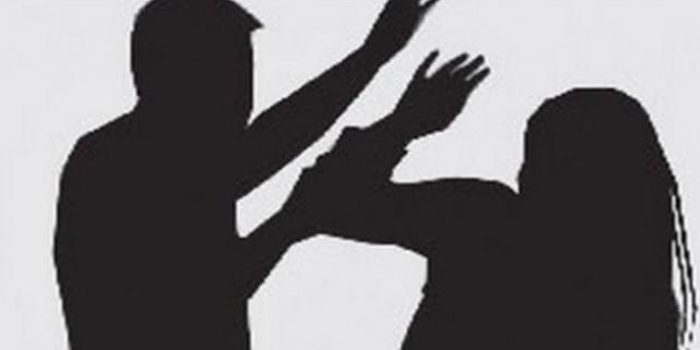 राजनीतिक रंजिश में कांग्रेसी महिला सरपंच को घसीट-घसीटकर पीटा, भाजपा कार्यकर्ताओं पर मामला दर्ज