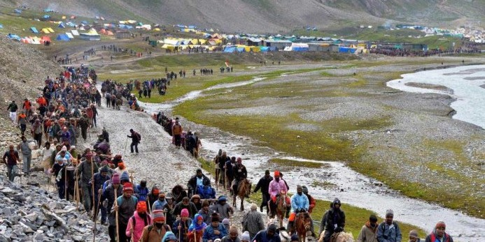 Amarnath Yatra suspended from Jammu to Srinagar amid shutdown call