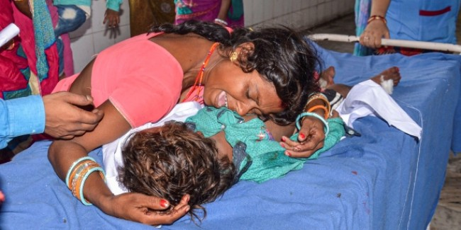 मुजफ्फरपुर में 69 बच्चों की मौत हो गई, तब जागी केंद्र सरकार, हर्षवर्धन करेंगे दौरा