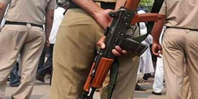 बांकुड़ा के पात्रसायर में पुलिस व भाजपा समर्थकों में भिड़ंत, फायरिंग