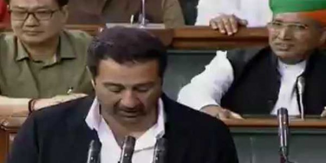 Mulayam, Sunny Deol among members administered oath on 2nd day