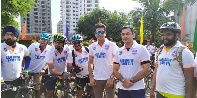 मुख्यमंत्री ममता बनर्जी के निर्देशानुसार मंत्री ने साइकिल से किया 'सेफ ड्राइव सेव लाइफ' का प्रचार