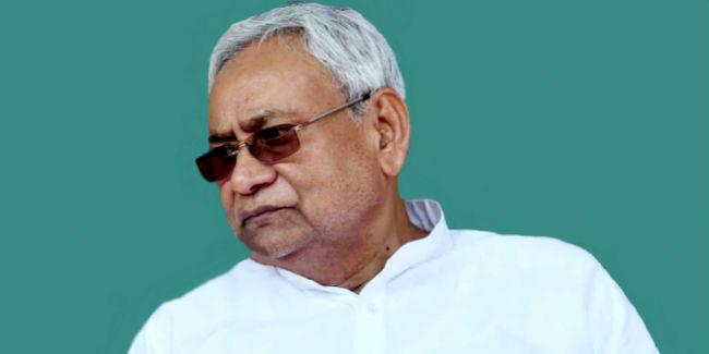 मुख्यमंत्री नीतीश कुमार भोजपुर का कार्यक्रम रद्द कर अरुण जेटली को देखने के लिए दिल्ली रवाना