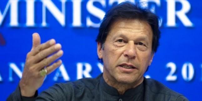 पाक प्रधानमंत्री इमरान खान ने मोदी को दी फोन पर बधाई, पीएम ने कहा- शुक्रिया
