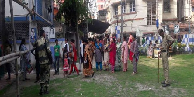 बंगाल में नौ बजे तक 14.17 फीसद मतदान