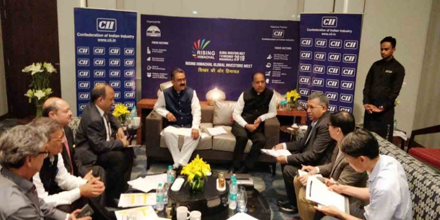 HP CM signs MoU with industrial houses in Gujarat worth Rs 780 crore
