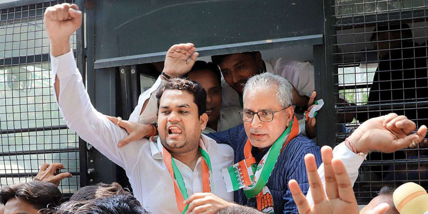 Gujarat Congress protests Priyanka Gandhi's detention