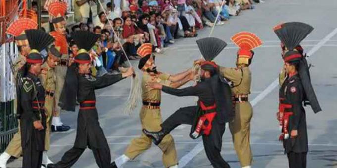 बकरीद के जश्न के बीच पाकिस्तान रेंजर्स ने भारतीय जवानों से मिठाई लेने से किया इंकार