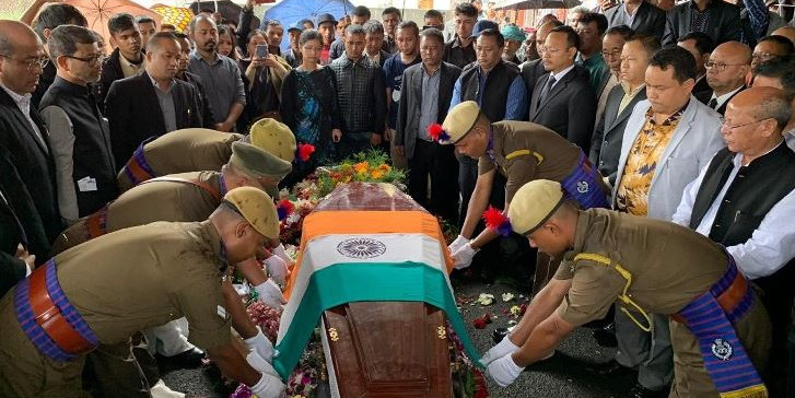 Meghalaya Chief Minister Conrad K Sangma Breaks Down in Dr. Donkupar Roy's Funeral