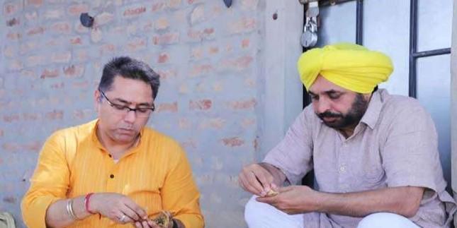 चुनाव प्रचार में भगवंत मान के निराले अंदाज; मॉडल दिल्ली का, अंदाज देहाती और निशाने पर मोदी