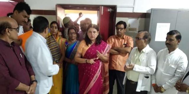 सुल्तानपुर जिला अस्पताल में भी डिजिटल X-Ray, मेनका गांधी ने दी ये सौगातें