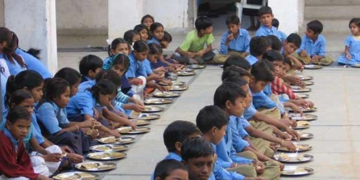 Mid-day Meal Workers Protest Against Privatisation of the Scheme in Tripura