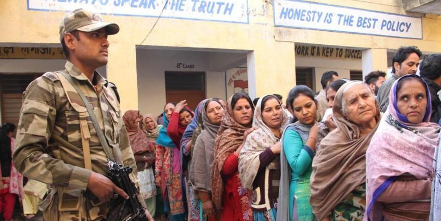 जम्मू-कश्मीर चुनाव 2019: जम्मू-पुंछ, बारामुला लोकसभा सीटों पर मतदान शुरू