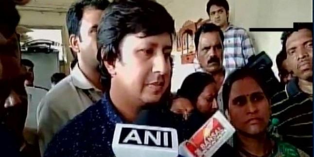 एमपी: BJP नेता कैलाश विजयवर्गीय का MLA बेटा गिरफ्तार, बल्ले से की थी अधिकारी की पिटाई