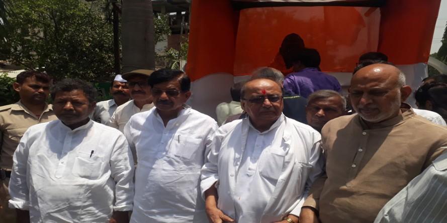 कांग्रेस में उठे बागी तेवर, पूर्व मंत्री बोले-प्रभारी खा गए पार्टी