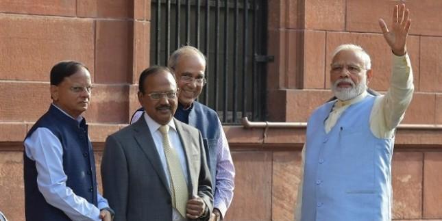 लगातार एक्शन में पीएम मोदी, अधिकारियों से सभी मंत्रालयों के लिए पंचवर्षीय योजना बनाने को कहा