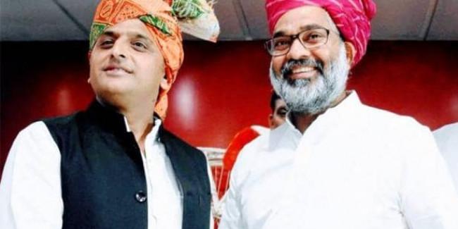 एक-एक कर सपा का साथ छोड़ रहे राजपूत नेता, अखिलेश के सामने विरासत बचाने की चुनौती