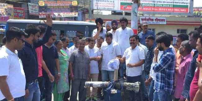 केंद्र और प्रदेश सरकार के खिलाफ कांग्रेस के जगह-जगह प्रदर्शन