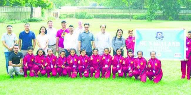 Rijiju meets Nagaland girls team