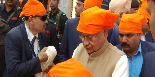 बोधगया से पहले राजगीर पहुंचे CM नीतीश, गुरुद्वारा में टेका मत्था