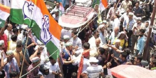 कांग्रेस उम्मीदवार ज्योति खंडेलवाल के रोड शो में लगे मोदी-मोदी के नारे, धक्का-मुक्की