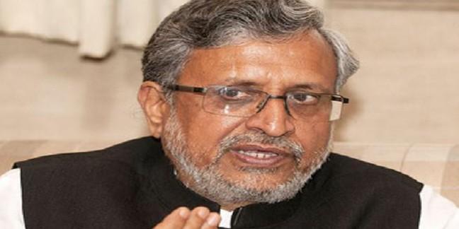 सुशील मोदी का आरोप, कहा- राबड़ी वोटरों को इमोशनल ब्लैकमेलिंग के लिए लिख रही हैं चिट्ठी