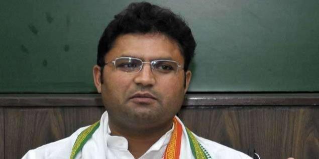 मोर्चेबंदी में जुटे अशोक तंवर समर्थक, राहुल गांधी से कर सकते हैं मुलाकात