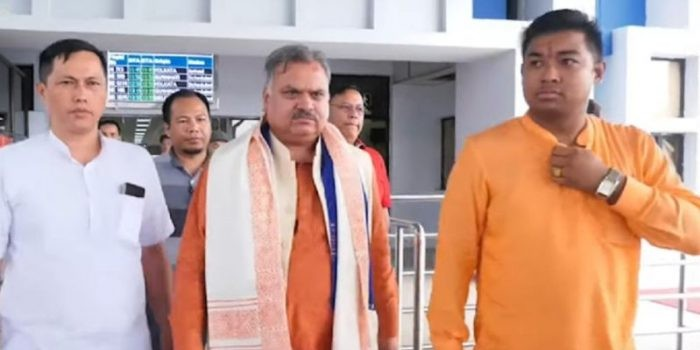 BJP national leader arrives at Imphal to deal with the crisis