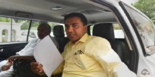 MGP blames ex-CM for taxi issue