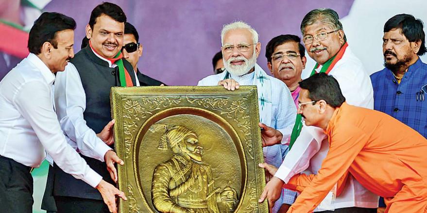 Maharashtra Assembly Polls: Bring back Fadnavis to power for stable govt, PM Narendra Modi urges people