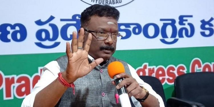 KCR not keeping promises made to employees: Cong.