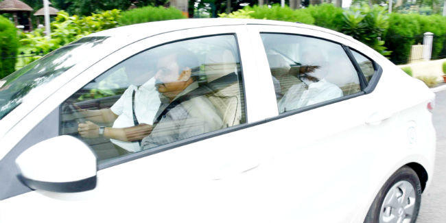 पर्यावरण की सुरक्षा को लेकर CM नीतीश का बड़ा कदम, इलेक्ट्रिक कार से पहुंचे सदन, ...जानें कैसी है नयी कार?