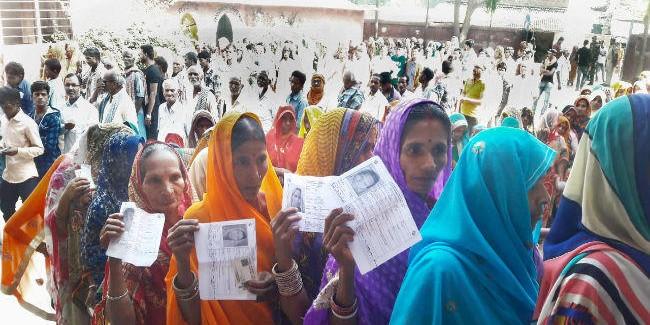 नौ बजे तक सारण में सबसे अधिक 13% और सबसे कम मुजफ्फरपुर में 6.35% पड़े वोट