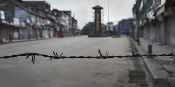 कश्मीर घूमने फिर से जा सकेंगे पर्यटक, राज्यपाल ने 370 के बाद लागू ट्रैवल एडवाइजरी हटाई