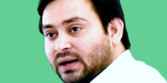 RJD नेता तेजस्वी ने उपमुख्यमंत्री के पिछले साल के बयान को लेकर मुख्यमंत्री पर साधा निशाना, कहा