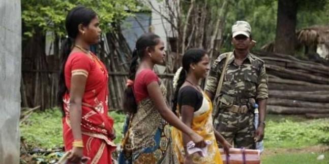 बस्तर लोकसभा सीट पर वोटिंग, नारायणपुर में ब्लास्ट