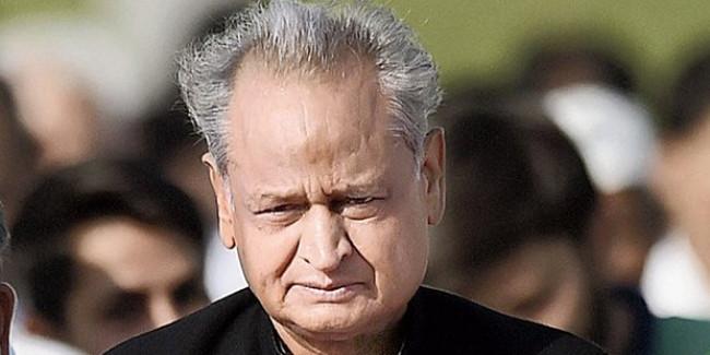 जयपुर में गहलोत सरकार के खिलाफ बेरोजगारों का बड़ा प्रदर्शन, BJP नेता शामिल