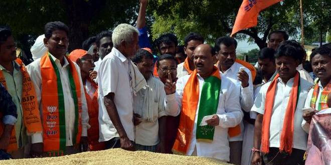 BJP Kisan Morcha urges Governor to oust CM