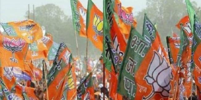 बंगाल में फिर खूनखराबा, BJP अध्यक्ष की रैली रोकने पर पुलिस से भिड़े कार्यकर्ता