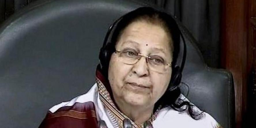क्या वाक़ई मोदी की 'गुडबुक' से बाहर हो गई हैं सुमित्रा महाजन!