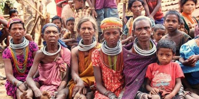 विश्व आदिवासी दिवस: क्या आदिवासियों को मिल रहे हैं वो अधिकार, जिनके हैं वे हक़दार