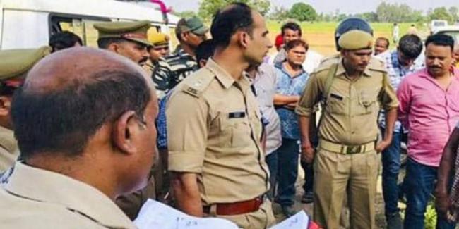 सोनभद्र हत्याकांड: जांच करने उम्भा पहुंची कमेटी, CM योगी ने किया था गठन