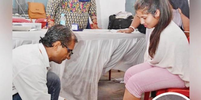 बालाघाट के नक्सल प्रभावित इलाकों में भारी मतदान, मुख्यमंत्री कमलनाथ ने परिवार के साथ डाला वोट