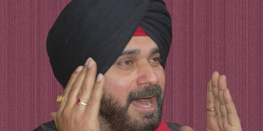 विवादित बयान के मामले में नवजोत सिंह सिद्धू की बढ़ सकती हैं मुश्किलें, चुनाव आयोग ने मांगी सीडी