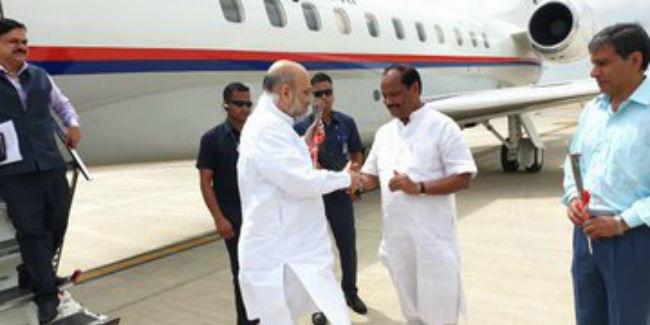 जामताड़ा पहुंचे भाजपा अध्यक्ष अमित शाह, थोड़ी देर में 'जन आशीर्वाद' यात्रा की करेंगे शुरुआत