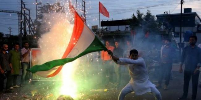 कश्मीर: मोदी सरकार के लिए कठिन परीक्षा के सात दिन
