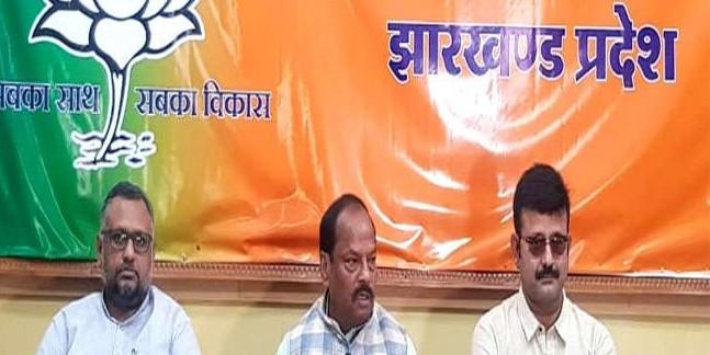 CM रघुवर दास ने कहा-13 सीटों पर जीत तय, एक पर कांटे की लड़ाई