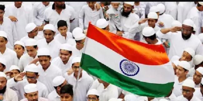 प्रधानमंत्री मोदी ने दी मुस्लिम छात्रों को 5 करोड़ की ईदी !!