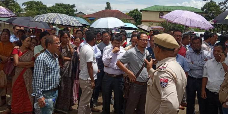 Manipur: Mass leave by govt teachers paralyse schools